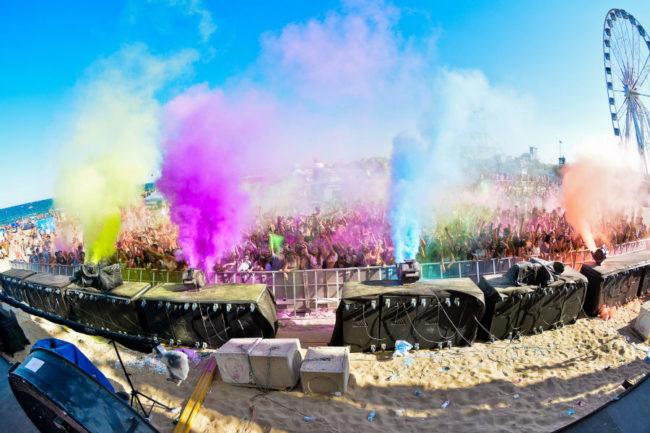 holi @ altromondo beach festival 900x600
